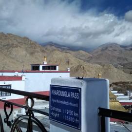 Indicator towards Khardungla Pass